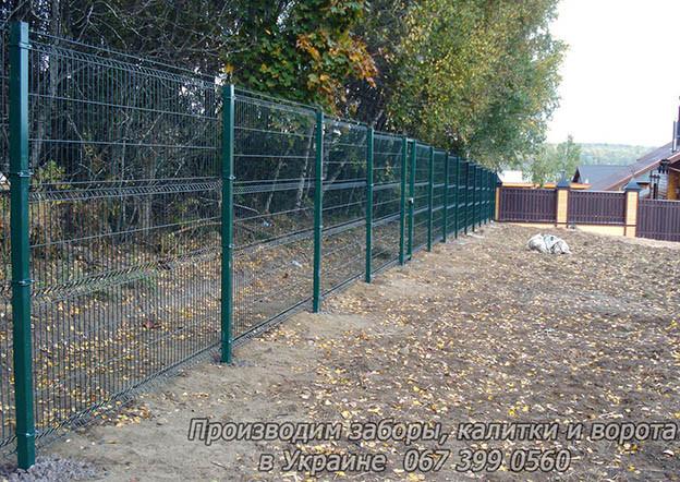Забор из  Сварной Сетки 3Д - Секции Ограждения: ширина 2500 мм,  Zn + покрытие цвет зелёный RAL 6005