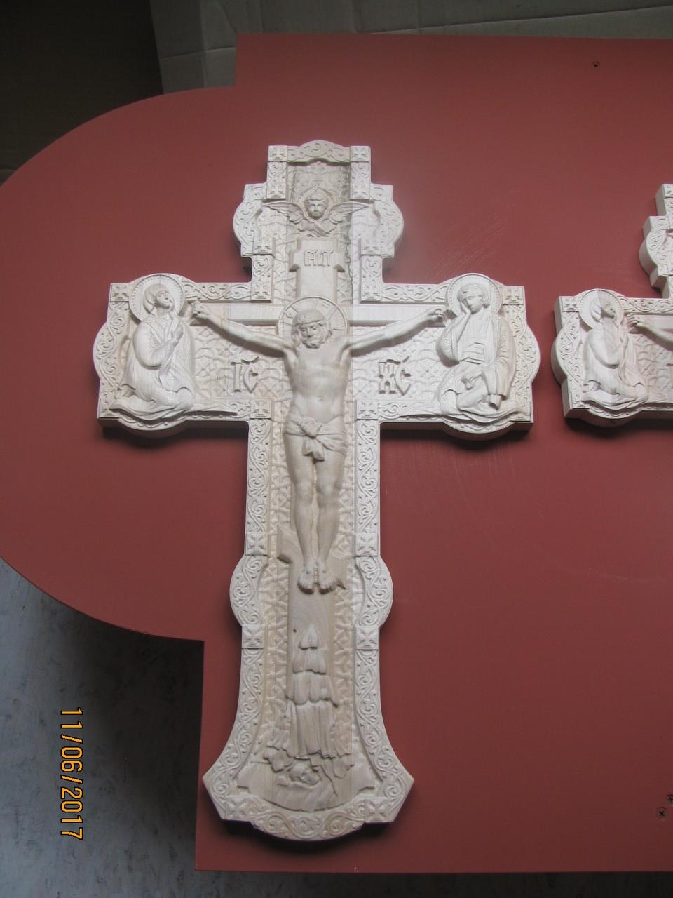 Різьблений хрест