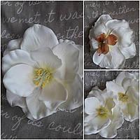 Большой цветок манголии белого цвета, текстиль, диам. 18 см., 36/29 (цена за 1 шт. + 7 гр.)