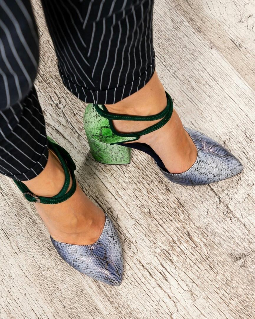 Туфли женские с перекрестными ремешками цветные