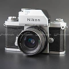 Nikon F + MC AUTO REXAR 35mm f/2.8