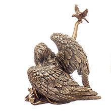 Статуэтка Veronese Ангел с птицей 75981A1 сидящий с голубем фигурка ангела девушка веронезе верона