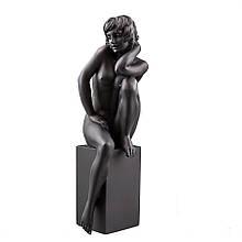 Статуетка Veronese Дівчина на колоні 19 см 75387