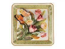Декоративная квадратная тарелка Бабочка в тюльпанах 21 см 59-409 настенная керамическая декор