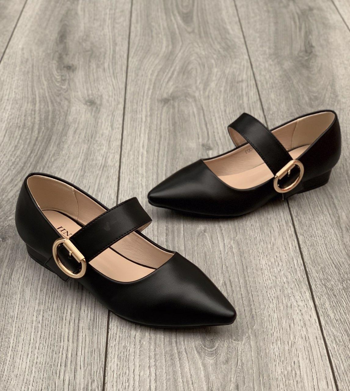 Туфли женские 8 пар в ящике черного цвета 35-40