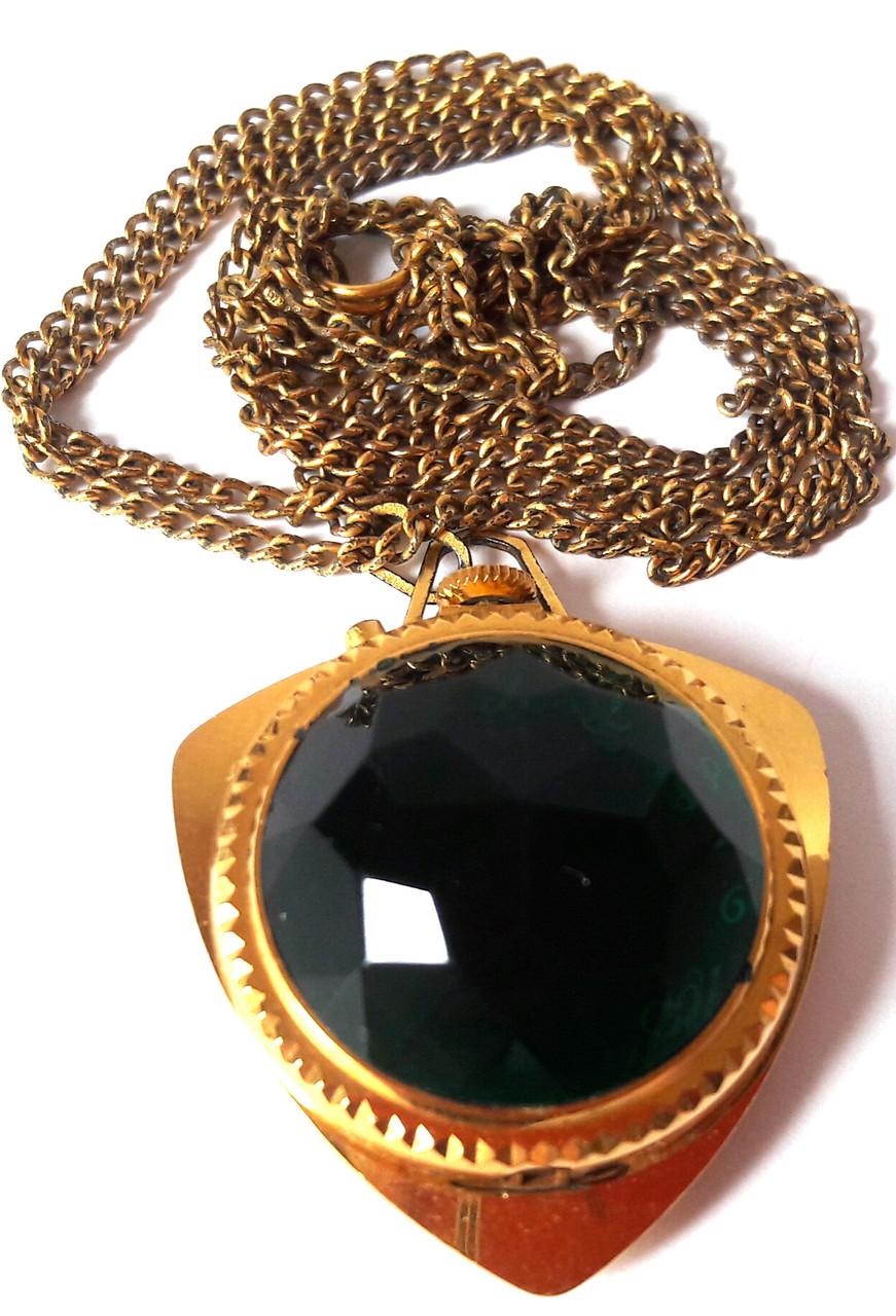 Годинник-кулон Зоря, смарагдові, позолочені, зроблені в СРСР, жіночі