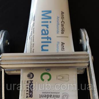 Алюминиевый пресс для тюбиков зубная паста ,клей ,крем  и т.д.