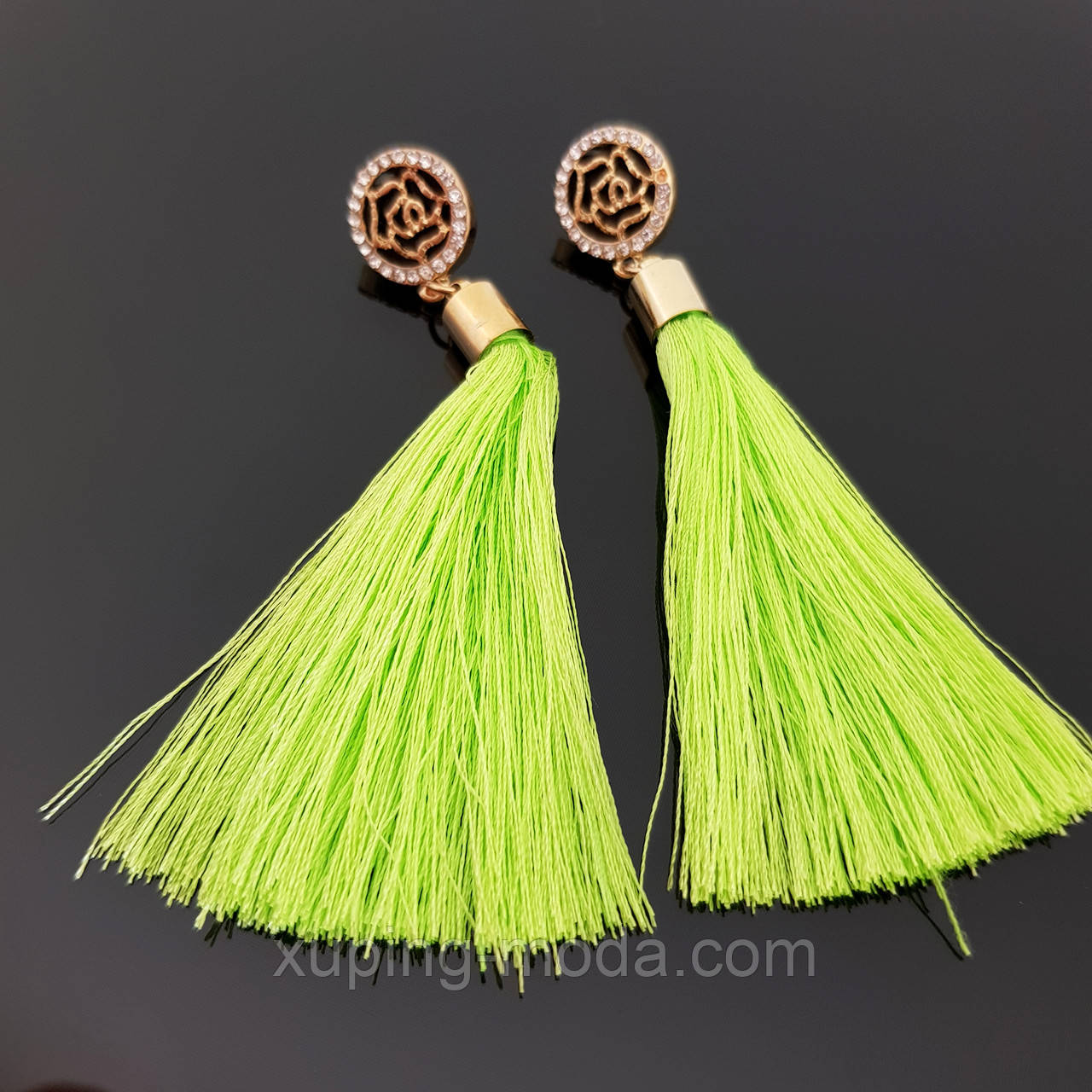 Кисточки сережки, зеленого цвета, короткие, 6 см