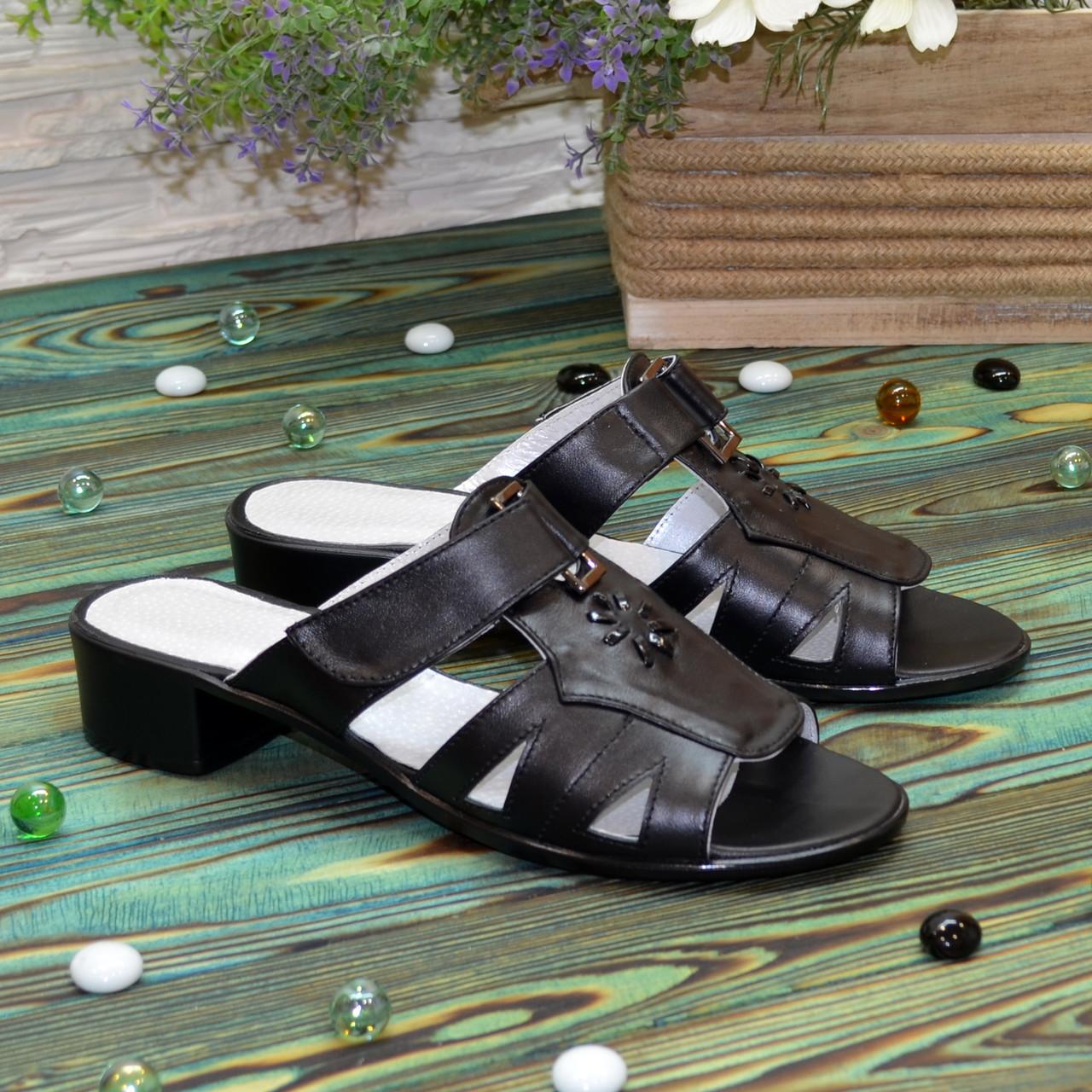 Женские кожаные черные шлепанцы на невысоком каблуке