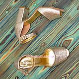 Босоножки кожаные женские на устойчивом каблуке, цвет золото, фото 4
