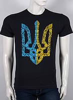 Черная мужская футболкас гербом
