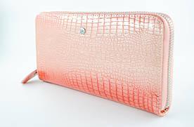 Классический женский клатч F Collection, натуральная лакированная кожа в пурпурном цвете. (915306)