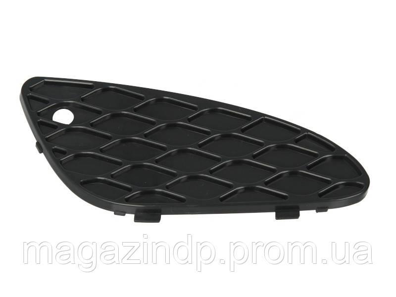 Решетка в бампер Mercedes E-Class (W211) 02-06 правая (Classic/Elegance) 4610 994, A2118850253 Код:875316621
