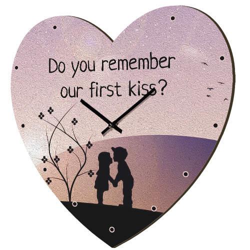 Часы в форме сердца Do you remember our first kiss? 36x36 см (CHS_P_16L091)