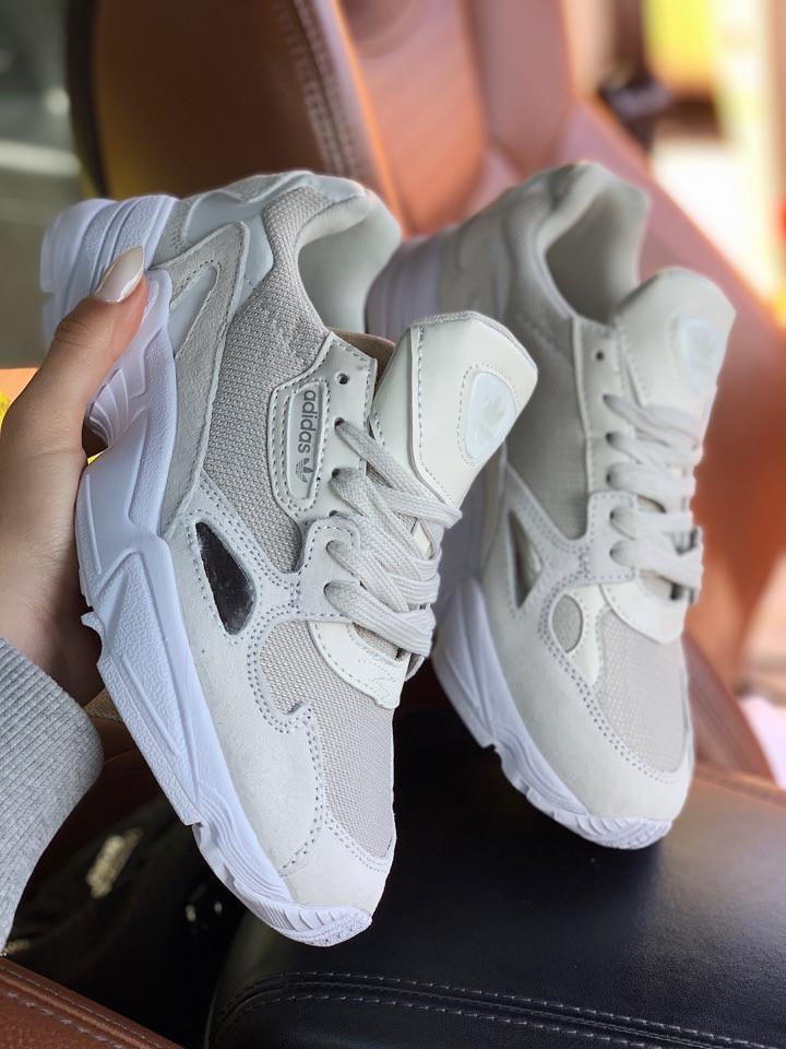 Женские замшевые кроссовки Adidas Falcon White (Адидас Фалькон белые)