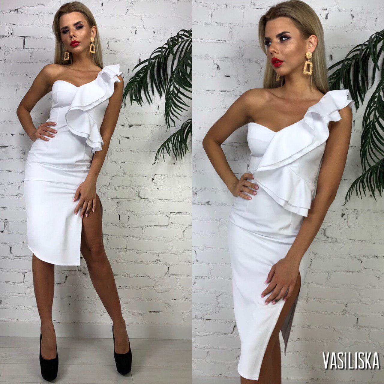 Платье летнее миди с разрезом на одно плечо с воланом Белый