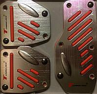 Накладки на педали (хромированные с красными резиновыми вставками, газ-тормоз-сцепление)