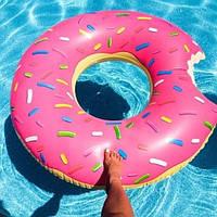Круг надувной для плавания Пончик розовый ( для пляжа и бассейна ) диаметр 120 см