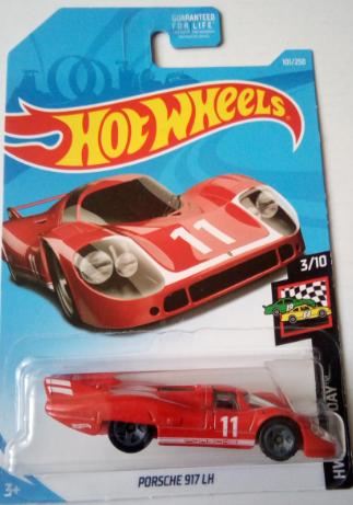 Машинка Hot Wheels 2019 Porsche 917 LH FYG32