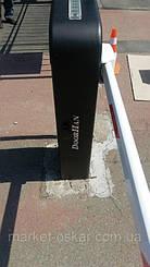 Шлагбаум Дорхан Барьер 4000 Про оснащается встроенной светодиодной сигнальной лампой, а стрела - противоударной накладкой