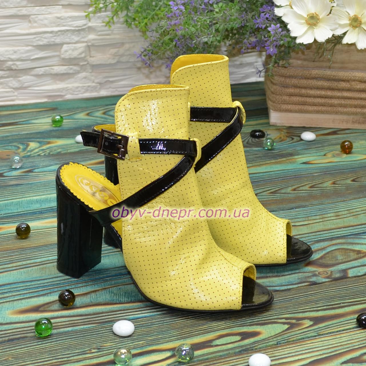 Женские кожаные босоножки на высоком устойчивом каблуке, цвет желтый/черный