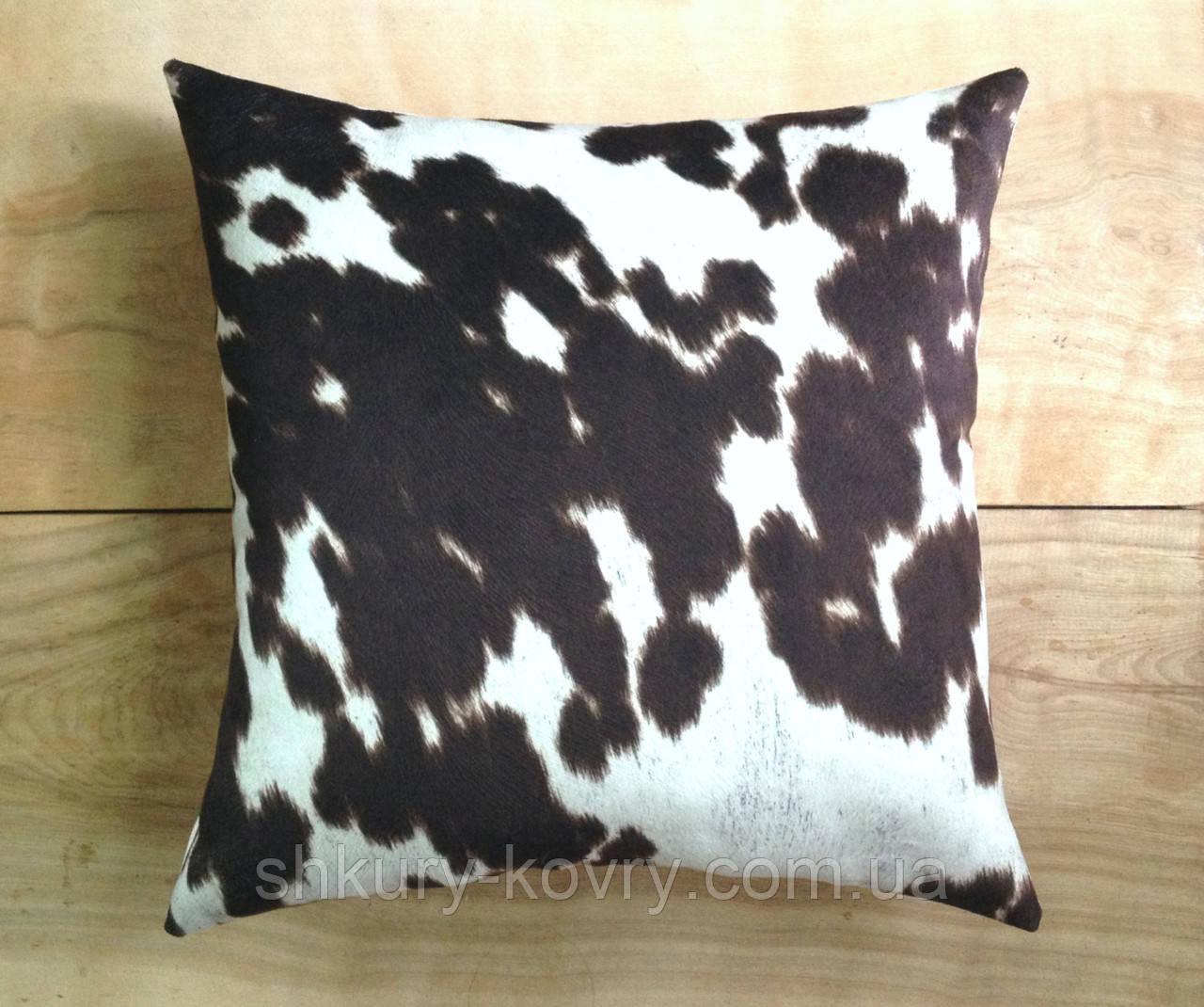 Декоративна подушка з плямистої рябий коров'ячої шкури