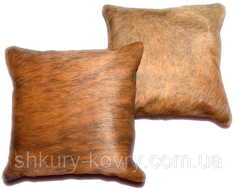 Декоративна подушка з шкури корови коричневою