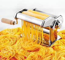 Венгерская Паста-машина (Тестораскатка-лапшерезка) изготовлена из высококачественной нержавеющей стали.
