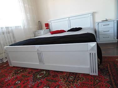 Кровать из натурального дерева - дуб.