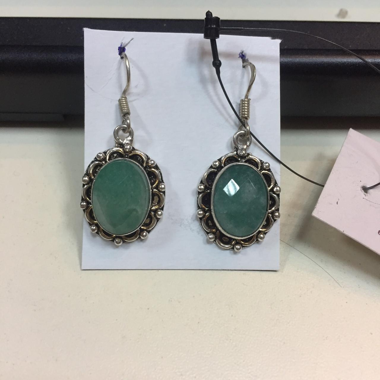 Сережки з каменем смарагдовий кварц в сріблі. Сережки з смарагдовим кварцом Індія