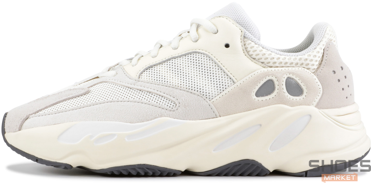 Женские кроссовки Adidas Yeezy 700 Boost White Gum