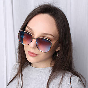 Солнцезащитные очки с формой оправы авиатор