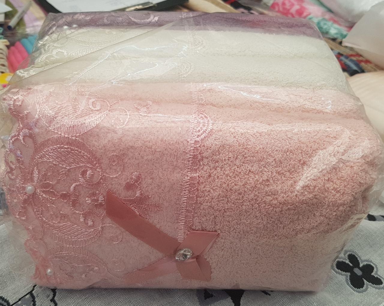 Полотенце для лица махровое  с гипюром