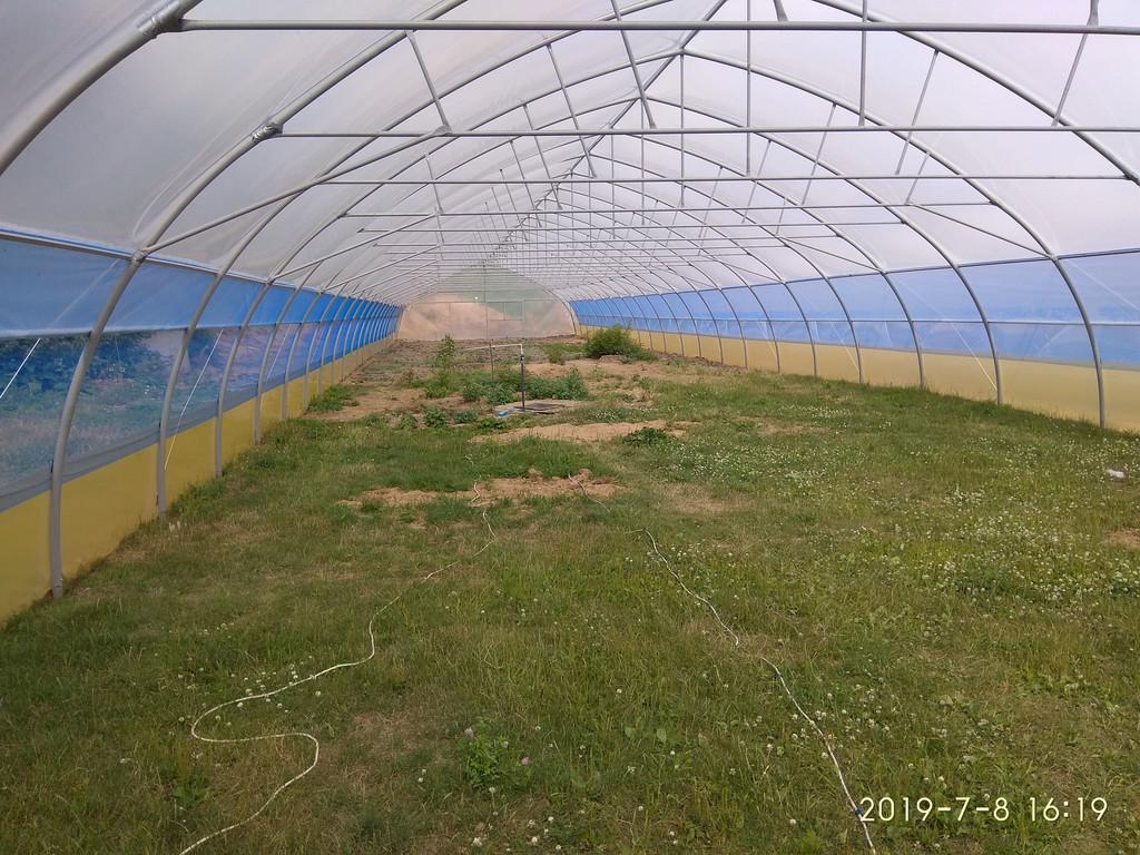 шпалерная развязка и усилители каркаса фермерской теплицы под пленку