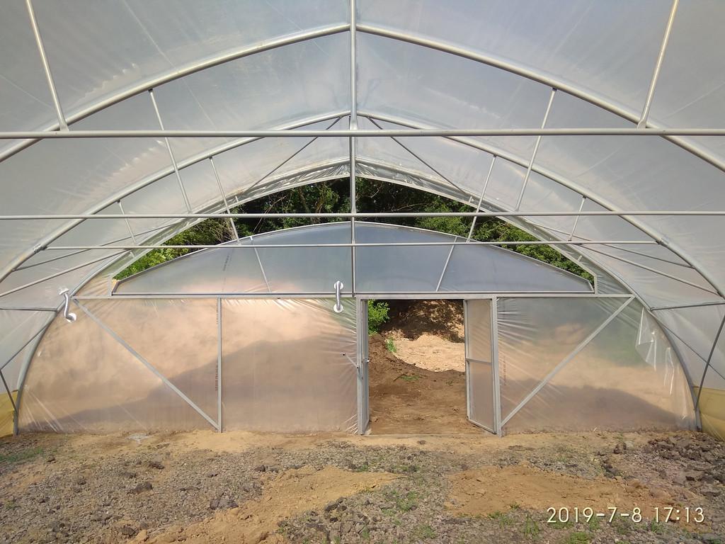 строительство теплиц из пленки шириной 10 метров