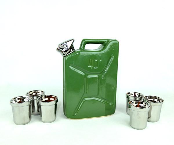 Зеленая канистра - подарочный набор для спиртного