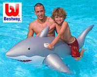Надувная игрушка акула с ручками удобная для плаванья для ребенка от 3 лет
