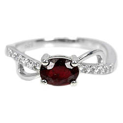 Серебряное кольцо с рубином, 7*5 мм., 1917КЦР