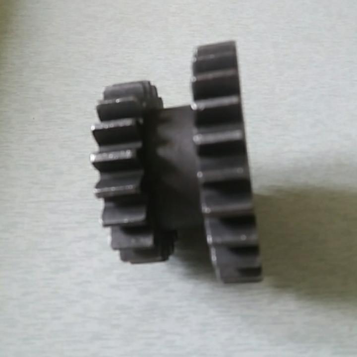 Шестерня промежуточная задней передачи z-26/20 КПП мототрактора 12-15 лс