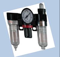 Блок подготовки воздуха влагоотделитьель AC-2000 1/4