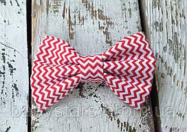 Детский галстук бабочка, красный зигзаг