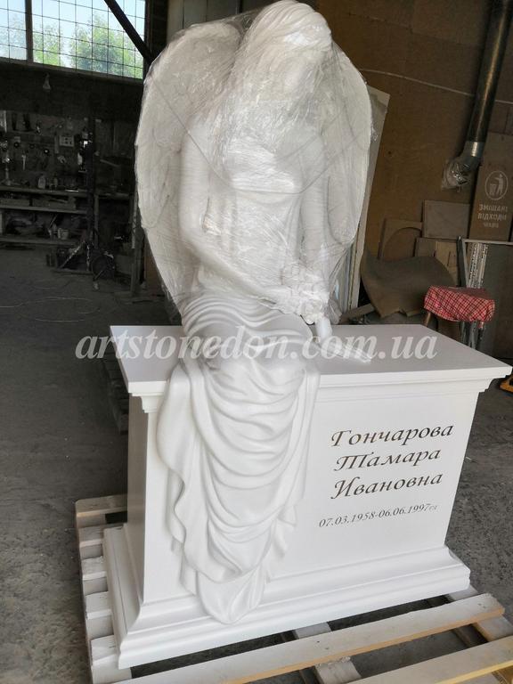 Памятник с ангелом из литьевого полимера (установлен в Беларуссии) 1
