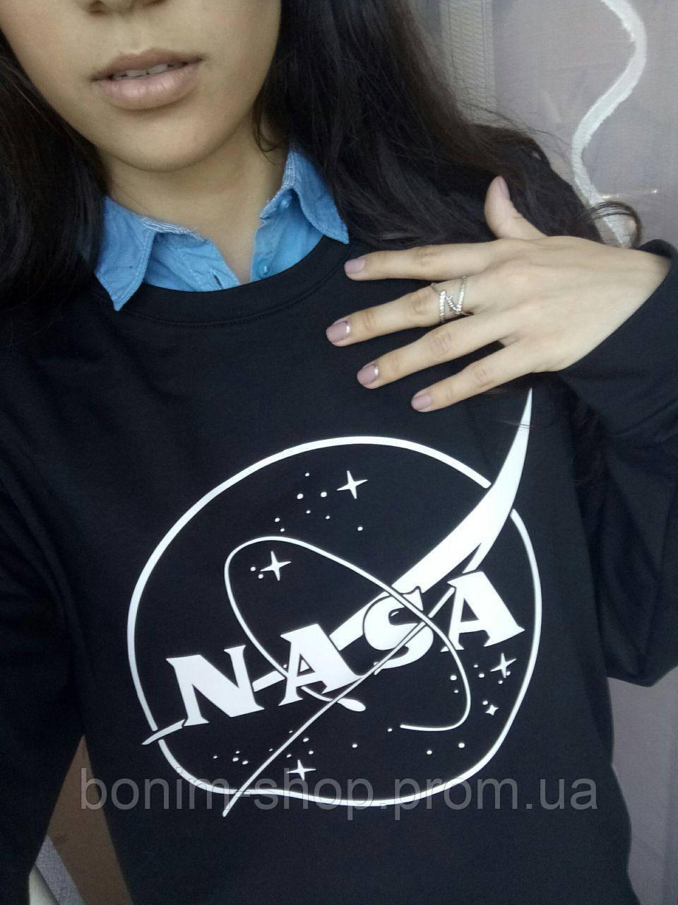 Женский черный свитшот с принтом NASA