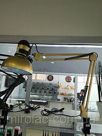 Лампа настольная на струбцине для идеальных бликов