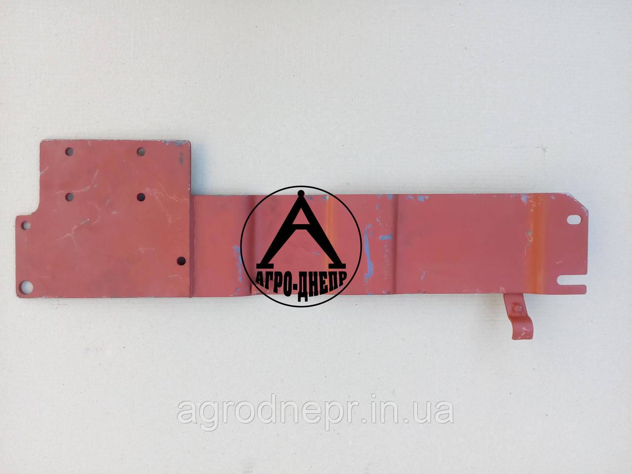 Кронштейн крепления гидрораспределителя на трактор ЮМЗ 75-4607800
