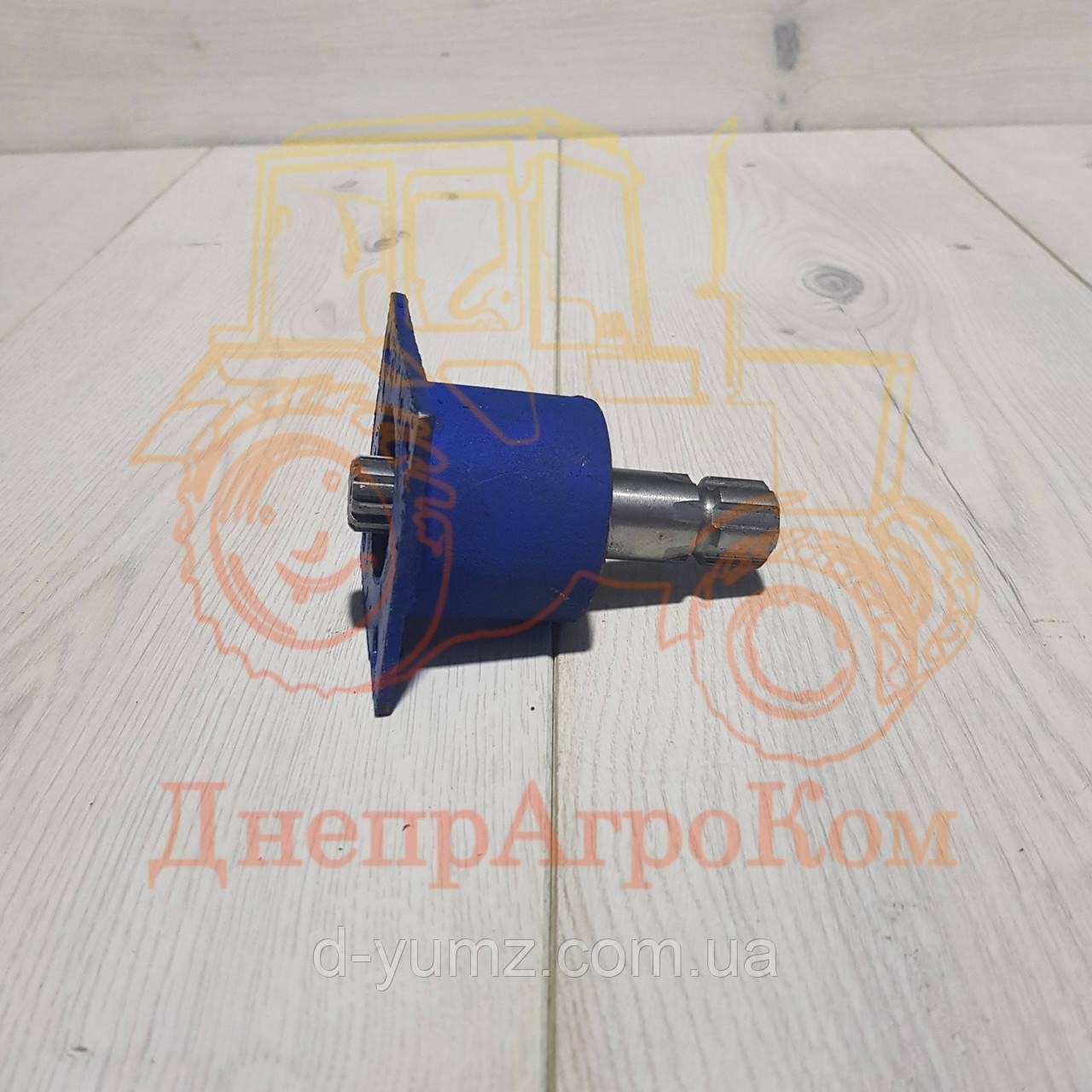 Привод (стакан) насос-дозатора на трактор ЮМЗ с малой кабиной 45-3401020