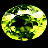 3.54 кт. Природный перидот , хризолит , оливин 10х8 мм.