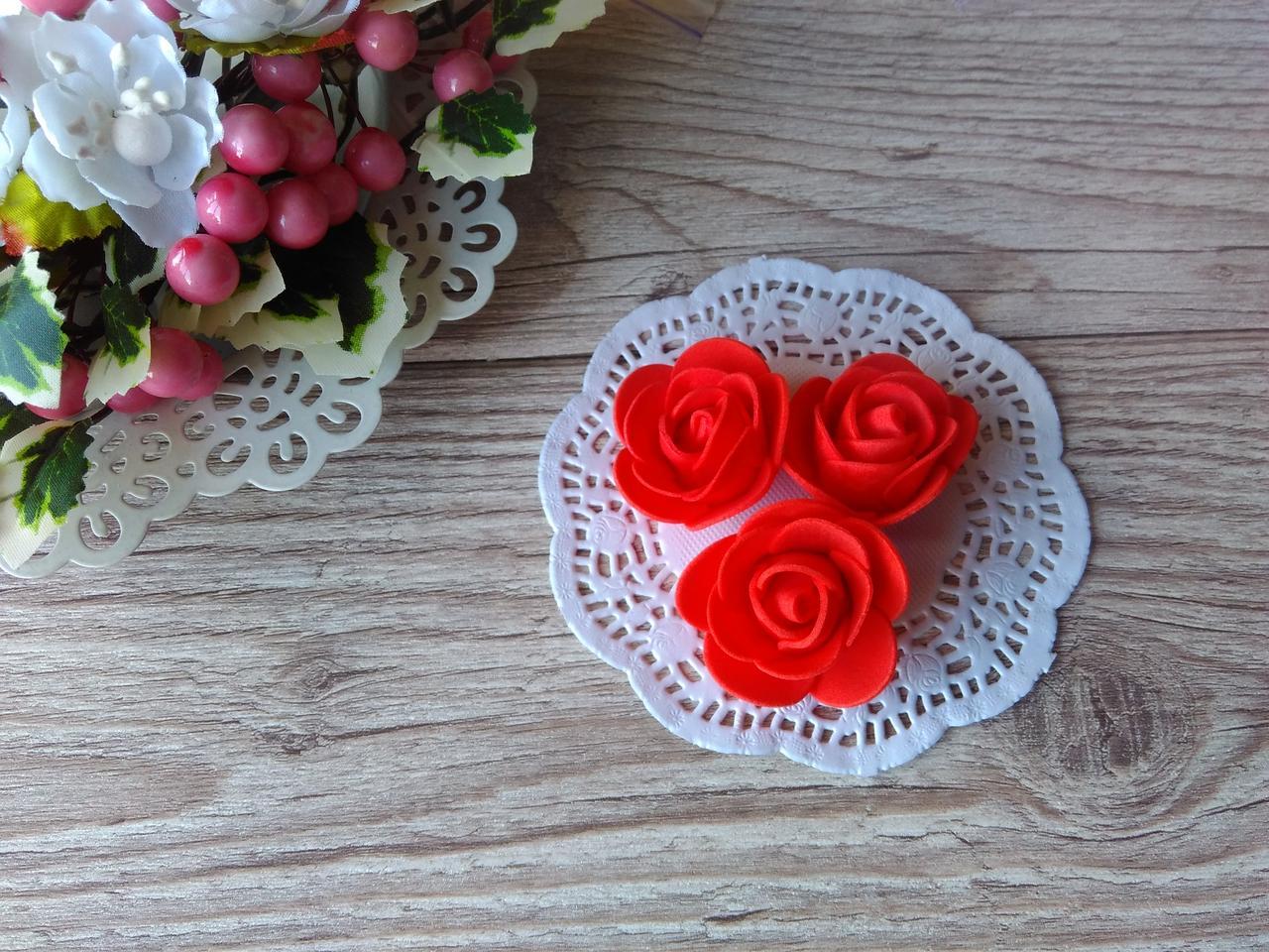 Розы из латекса красная D - 3.5 см, H - 1.5 см, 12 грн за 10 шт