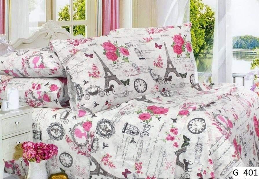Двухспальный комплект постельного белья с цветочным принтом.