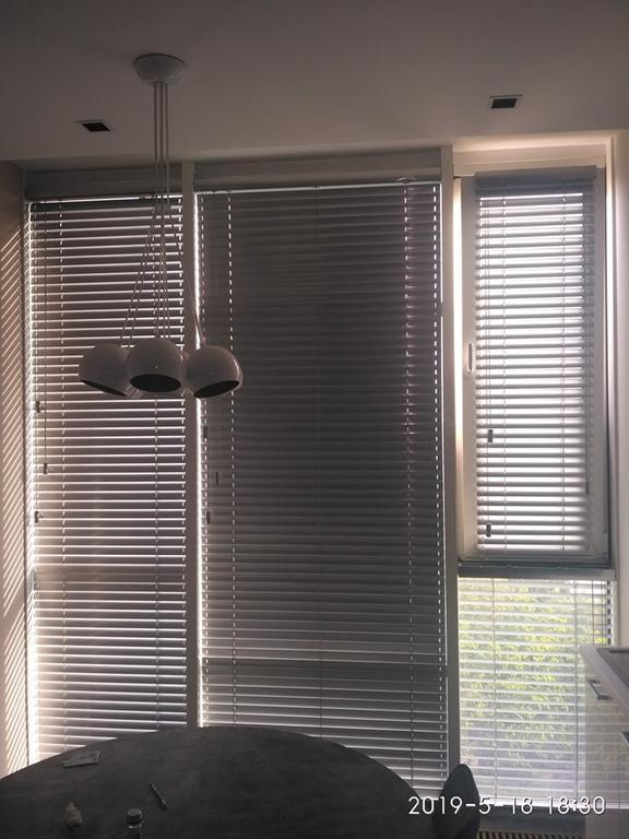 Жалюзи горизонтальные алюминиевые 50мм цвет металлик